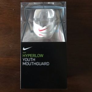 Nike Hyperflow Youth Mouthguard NIB